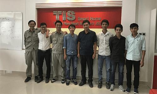 Toàn thể nhân viên Nhà thông minh Tis Việt Nam